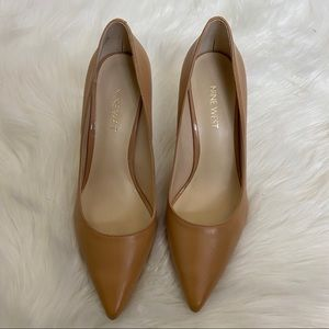 Nine West tan leather pointed heels